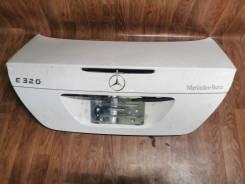 Крышка багажника Mercedes-Benz W211
