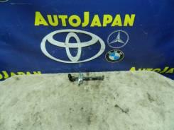 Ограничитель двери Toyota Corola Spacio ZZE124 F R б/у 68610-12160