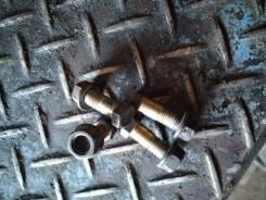 Болт и гайка крепления фланца кардана 37120-0P000 Toyota OriginaL