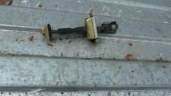 Ограничитель двери передний Nissan Almera Classic 8043095F0A