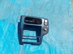 Рамка магнитофона Nissan Terrano 1999