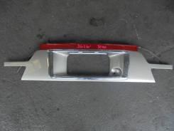 Накладка 5-й двери Mazda Bongo Friendee 1999