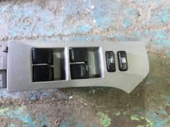 Блок управления стеклоподъемников передний правый Toyota VITZ 90