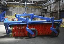 Коммунальная щетка НТУ 2.0 с увлажнителем на трактор