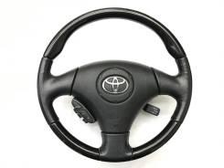 Оригинальный анатомический руль с косточкой чёрный рояльный лак Toyota