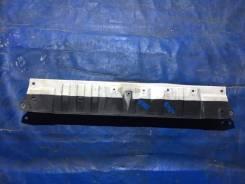 Планка рамки радиатора верхняя