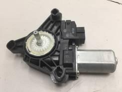 Моторчик стеклоподъемника задний левый [A2469063100] для Mercedes-Benz GLA-class X156 [арт. 512234]