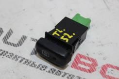 Кнопка включения обогрева Suzuki Escudo TL52