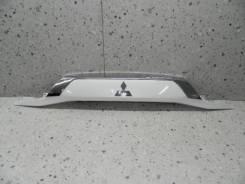 Накладка на дверь Mitsubishi Outlander (GF) 2012> [5817A265WA]