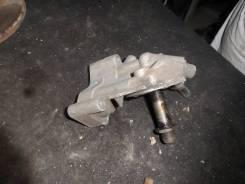 Кронштейн Масляного фильтра Volkswagen Passat B5/Audi A4/A6