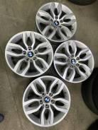 Продам комплект литых дисков BMW R17