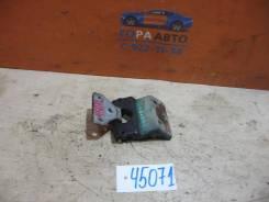 Петля двери багажника правая Mercedes Benz Vito (638) 1996-2003