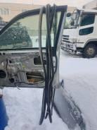 Уплотнитель двери внутренний Toyota Brevis, JCG15