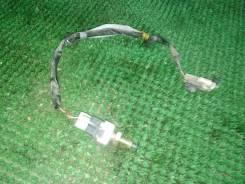 Концевик под педаль тормоза Mazda Bongo SK