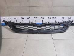 Решетка в бампер центральная Honda Cr-V 4