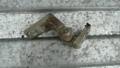 Петля двери передней правой нижняя Fiat Doblo 51840243'
