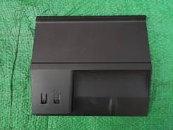 Накладка 5E1857367B с AUX и USB Шкода Октавия А7