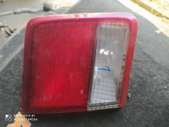 Стоп-сигнал в крышку багажника Toyota Camri SV40 L