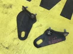 Крюки буксировочные задние пара Toyota Harrier