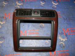 Рамка магнитофона Toyota Granvia 2001