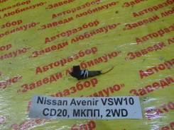 Концевик двери Nissan Avenir Nissan Avenir, левый задний