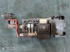 Блок реле батареи Lexus LS600h