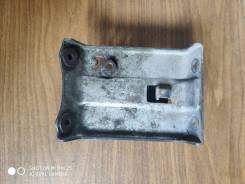 Кронштейн переднего обтекателя Honda Dio AF34/35