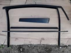 Уплотнитель стекла двери VW Touran
