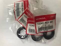Сальник свечного колодца Honda