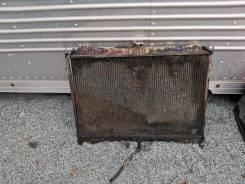 Продам радиатор на Nissan Laurel FJC32