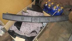Накладка петли багажника 5 двери RX330-350