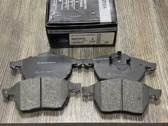 Колодки тормозные передние Audi A4, VW Passat VAG 4B0698151J