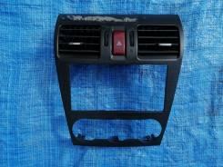 Консоль магнитофона на Subaru Forester SJ 13 год.