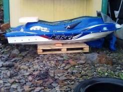 Лодка пластиковая на базе корпуса гидроцикла