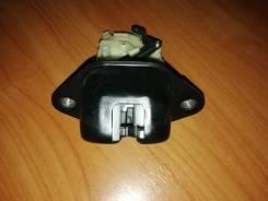 Замок багажника Subaru Forester SH5 63032FG000