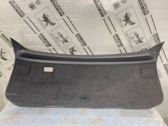 Обшивка крышки багажника Lexus RX 3