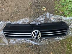 Продам верхнюю решётку радиатора Volkswagen Polo