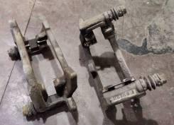Скоба тормозного суппорта заднего Ауди А4,5,6,7, Q5