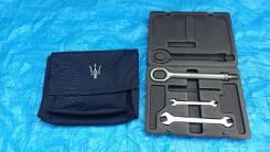 Крюк буксировочный в комплекте Maserati Quattroporte 5 05г 4.2L V8