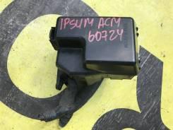 Коробка предохранителей под капотом Toyota Ipsum 82663-44010