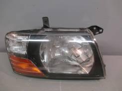 Фара правая Mitsubishi Pajero