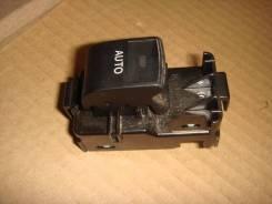 Кнопка стекоподъёмника передняя левая Toyota RAV4 2007 года 192801