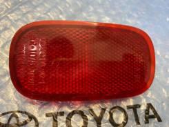 Отражатель заднего бампера Toyota Rav 4 1994-2005