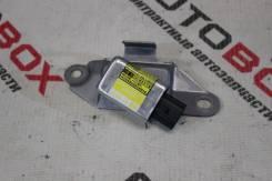 Датчик удара правый TLC Prado GRJ120