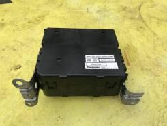 Блок управления стояночным тормозом 89680-33010