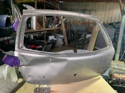 Крышка багажника Renault Sandero