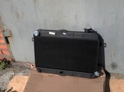 Радиатор охлаждения двигателя ВАЗ 2121 Нива, медный, старого образца