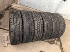 Bridgestone Blizzak W979, 215/70 R17.5