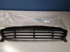 Решётка в бампер центральная Hyundai Solaris 2010-2017 [865611R000]