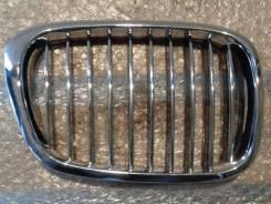 BMW E39 00-03 решетка радиатора хром правая новая